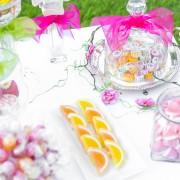 Candy Bar in Pastelltönen der Hochzeit