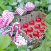 Bunte Lollies und süße Herzen
